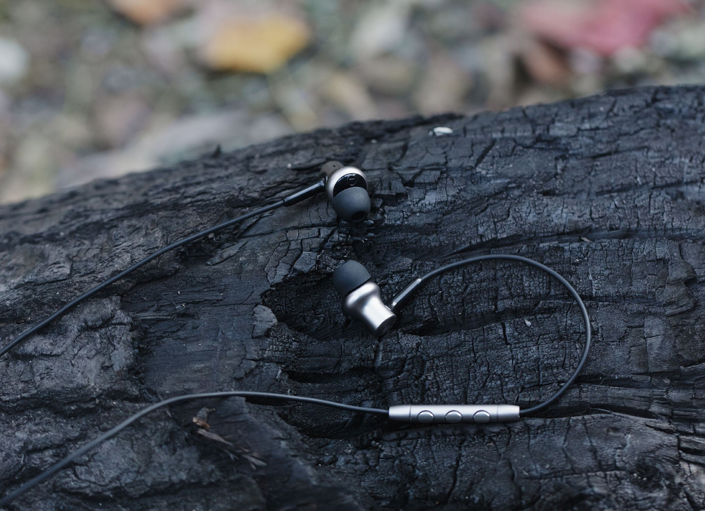 Now it feels almost like you're close to nature, with the all-new Mi In-Ear Headphones Pro HD.